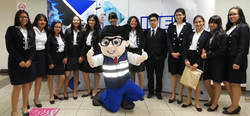 Con la participación de más de 200 estudiantes culmina con éxito el Día Mundial de la Normalización